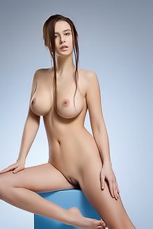 Alisa I Stunning Lady With Proud Breasts
